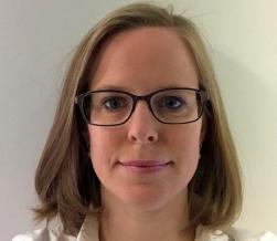 dr. Eveline Versele