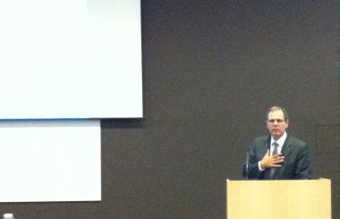 Dr. Sarano tijdens zijn voordracht voor AZ Delta