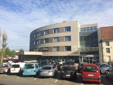 Foto gevel ziekenhuis Menen