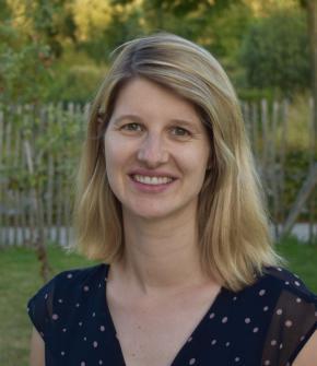 Dr. Caroline Bonnave